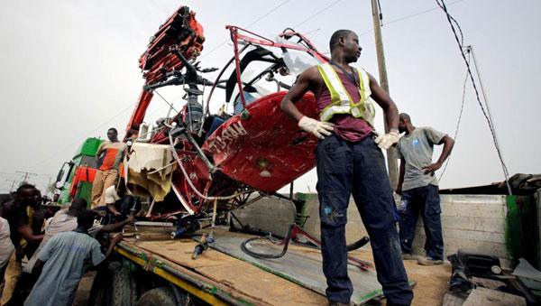 Crash : un hélicoptère s'écrase aux alentours de l'aéroport de Port-Bouët