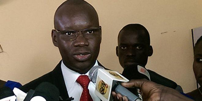 Bernard Casimir Demba Cisse De La Direction Generale Des Elections Il Y A 212 Mille 990 Cartes Distribuer Soit 329